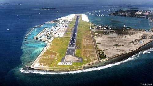 ВПП на тропическом островке на Мальдивах