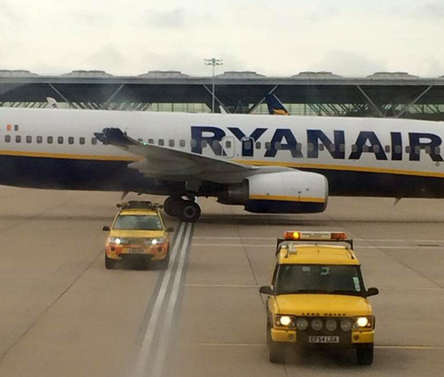 Два самолет Boeing 737-800 бюджетного перевозчика Ryanair столкнулись в лондонском аэропорту Станстед. Инцидент произошел утром 28 июня