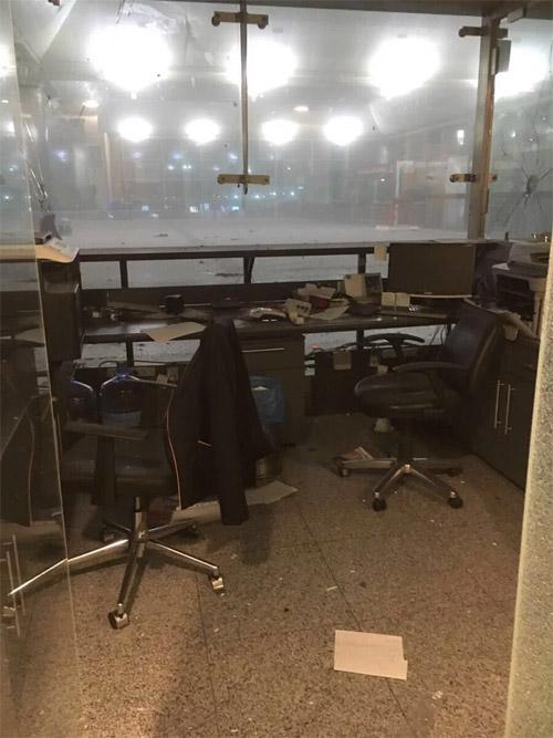 Последствия взрыва в терминале аэропорта Стамбула Ататюрка
