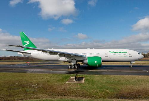 Получил первый самолет boeing 777