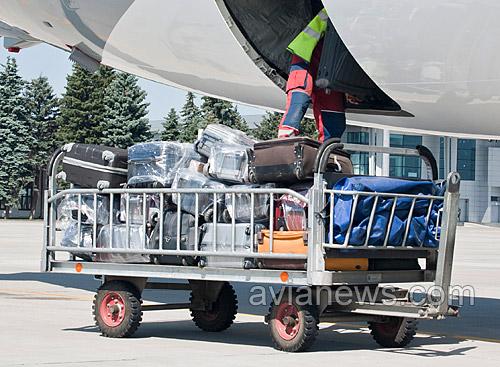 Пассажиры сразу трех рейсов из Бургаса (Болгария) в Киев, Харьков и Львов 20 сентября получили вскрытый или поврежденный багаж