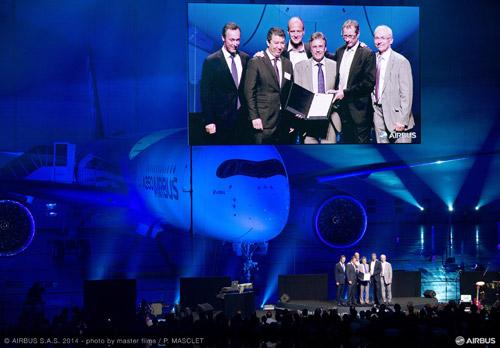 Самолет Airbus A350-900 30 сентября получил сертификат типа от Европейского агентства авиационной безопасности (EASA)