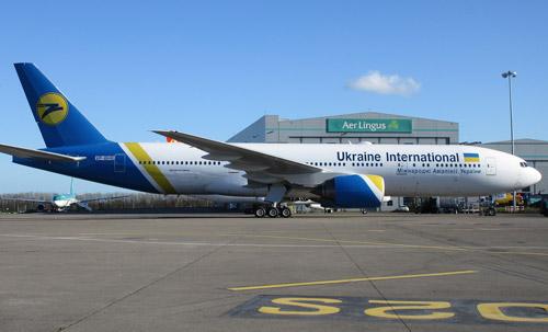 Boeing 777-200ER в ливрее МАУ