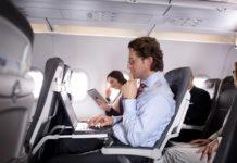 Пассажиры в салоне самолета. Фото: Lufthansa