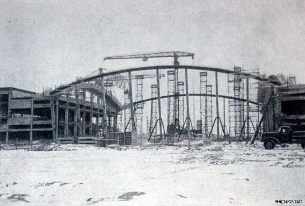 Возведение центральной части - купола - терминала Б в аэропорту Борисполь