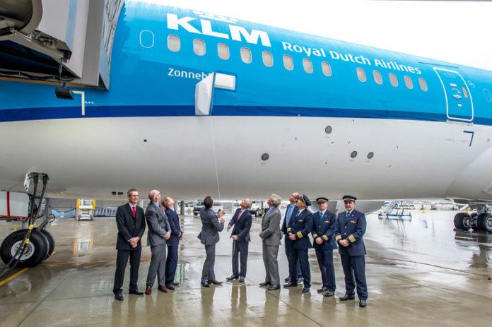 Имя на борту Boeing 787 KLM