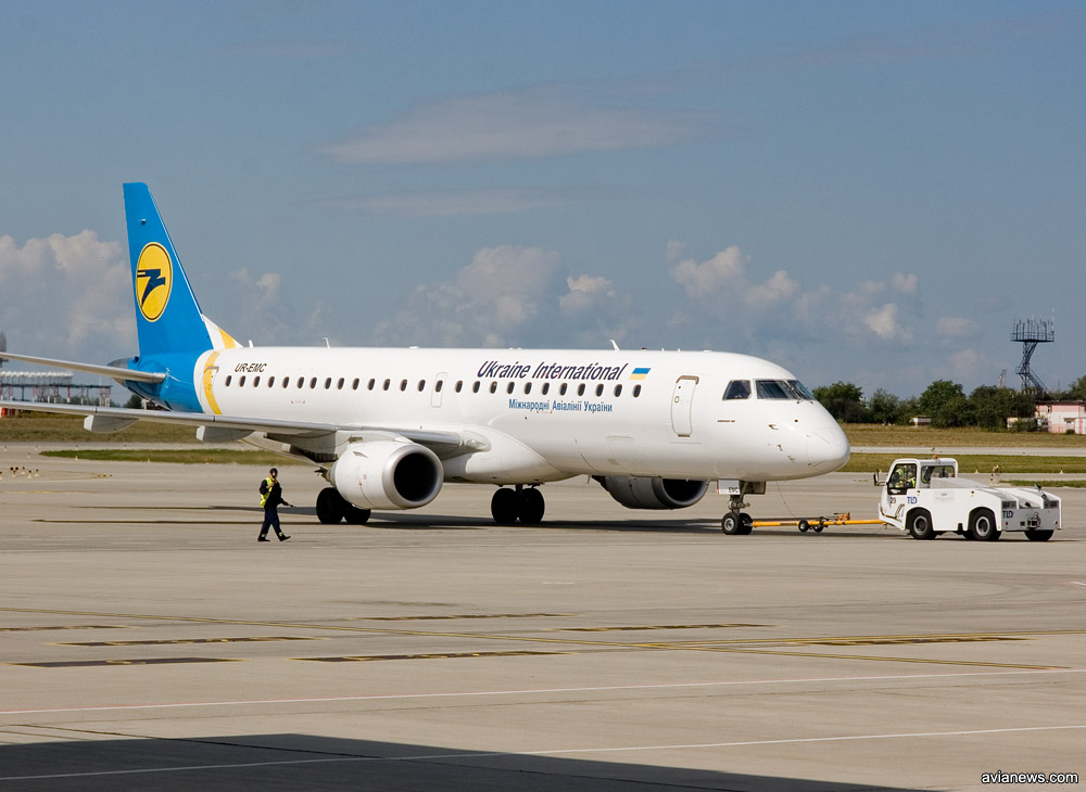 Embraer 190 авиакомпании МАУ