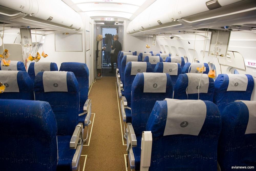 Салон симулятора полностью воспроизводит салон настоящего самолета