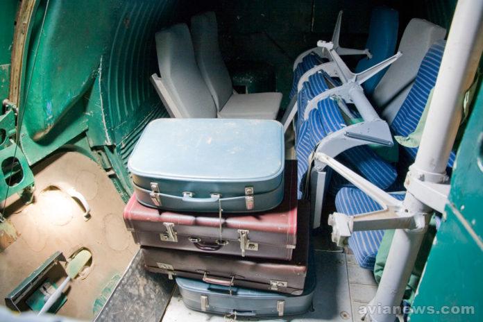 Багажный отсек в хвосте Ту-134