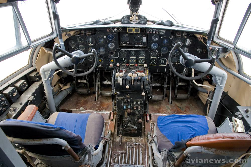 Кабина пилотов самолета Ил-14