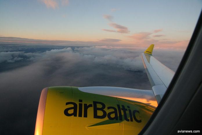 Вид из окна самолета airBaltic