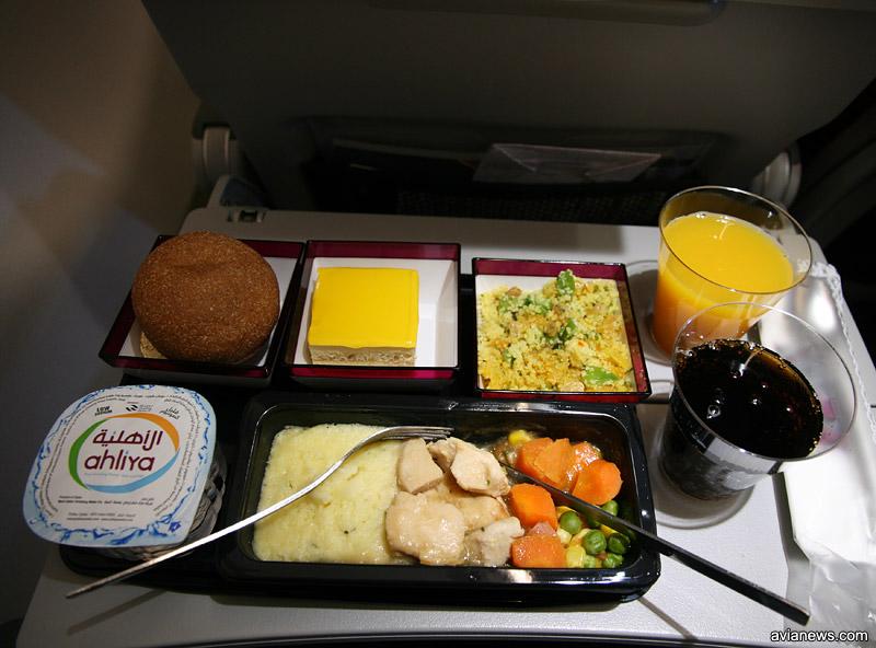 Пример горячего питания на рейсе Qatar Airways Киев-Доха