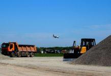 Работы по строительству новой полосы в аэропорту Одесса