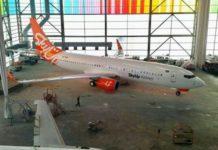 Boeing 737-800 SkyUp в полной ливрее авиакомпании