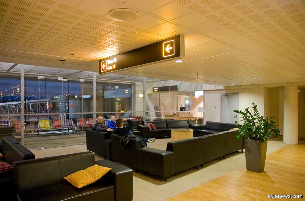 Лаунж-зона в общем зале вылета аэропорта Таллинн