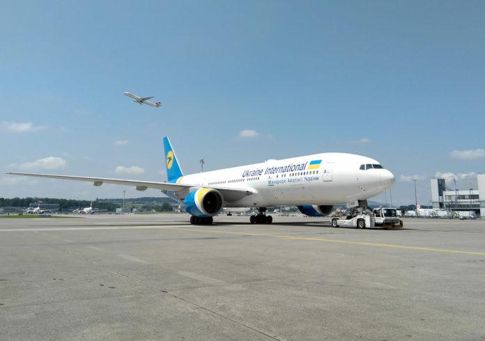 Boeing 777-200ER UR-GOC МАУ