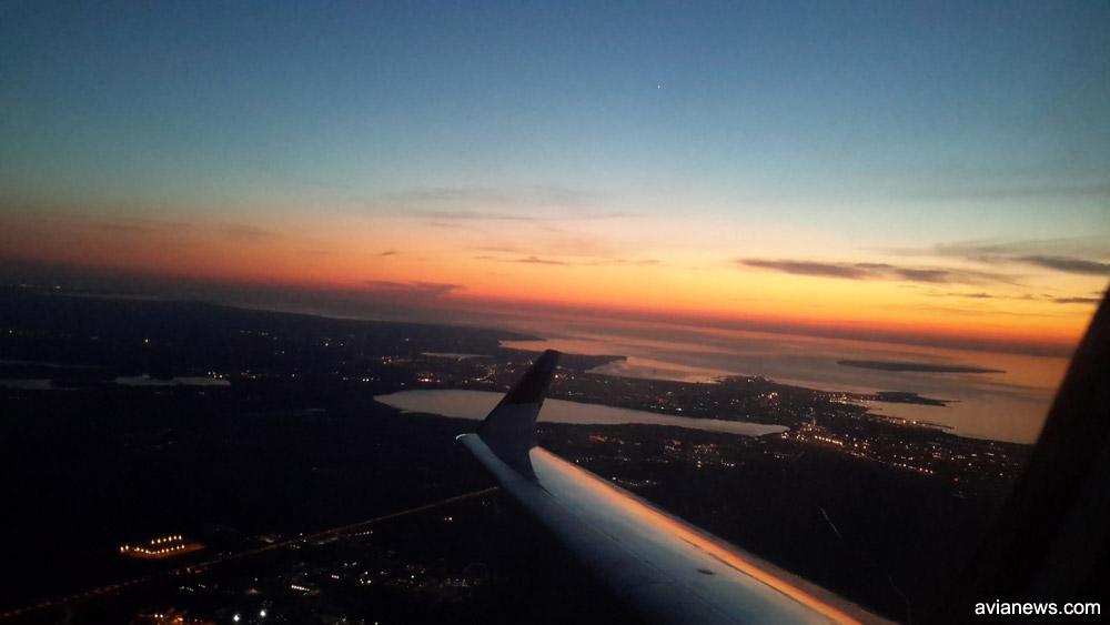 Вид на закат в 22:45 при вылете из Таллинна