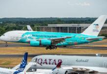 Ливрея Airbus A380 Hi Fly, призывающая сохранить коралловые рифы. Фото: Airbus