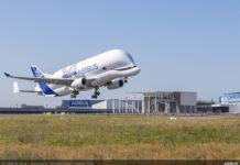 Первый взлет самолета BelugaXL в Тузуле.
