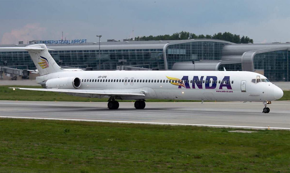 Самолет MD-83 Anda Air
