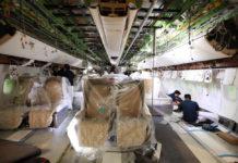 Работы по замене салона бизнес-класса в Boeing 777-200LR Emirates. Фото авиакомпании