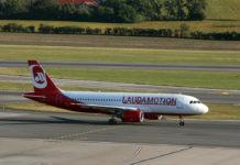 Airbus A320 в ливрее Laudamotion в аэропорту Вены
