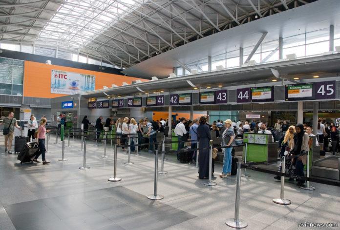 В Борисполе целый блок стоек регистрации обслуживает рейсы авиакомпаний Lufthansa Group: Austrian Airlines, Lufthansa, Swiss. Фото: avianews.com