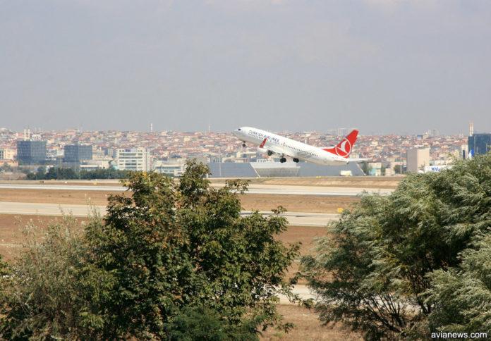 Turkish Airlines отменила все рейсы до конца мая