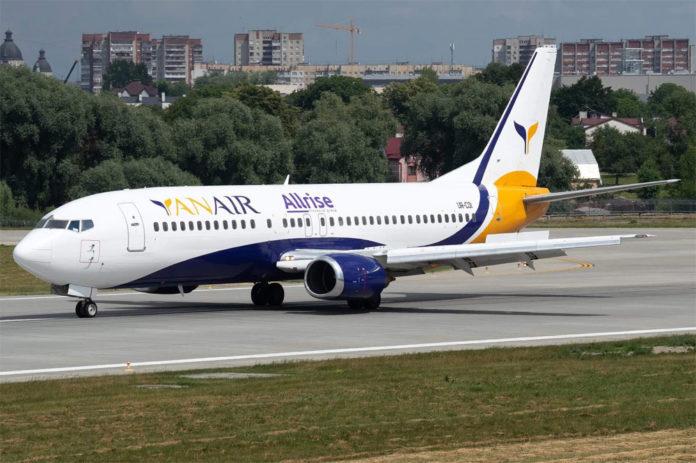 Boeing 737-400 Yanair