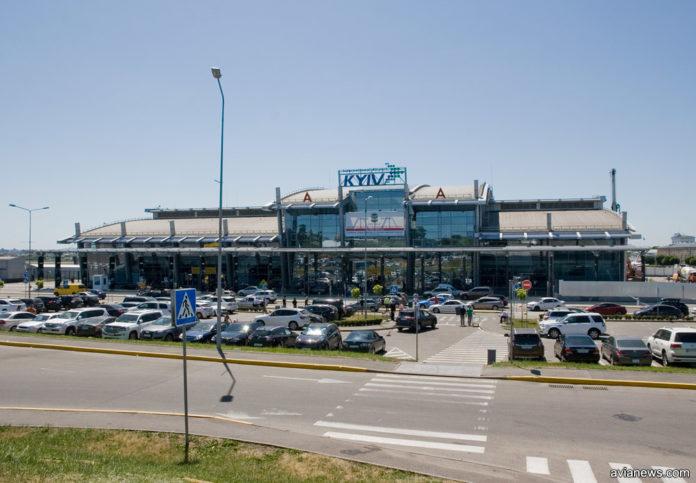 Международный терминал А в аэропорту Жуляны (
