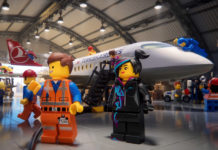 Кадр из safety video Turkish Airlines, снятого в стиле Lego