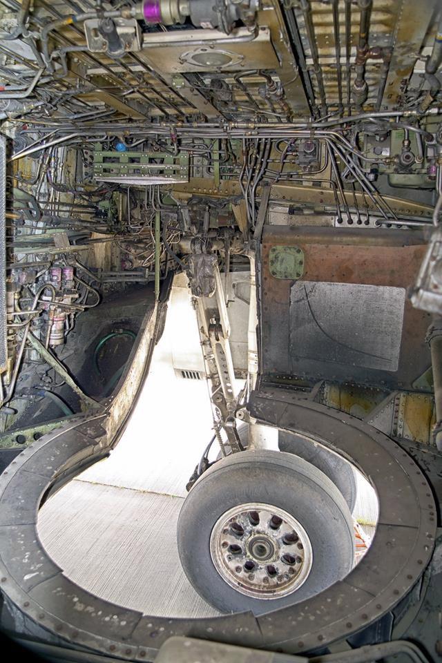 Ниша шасси Boeing 737-200
