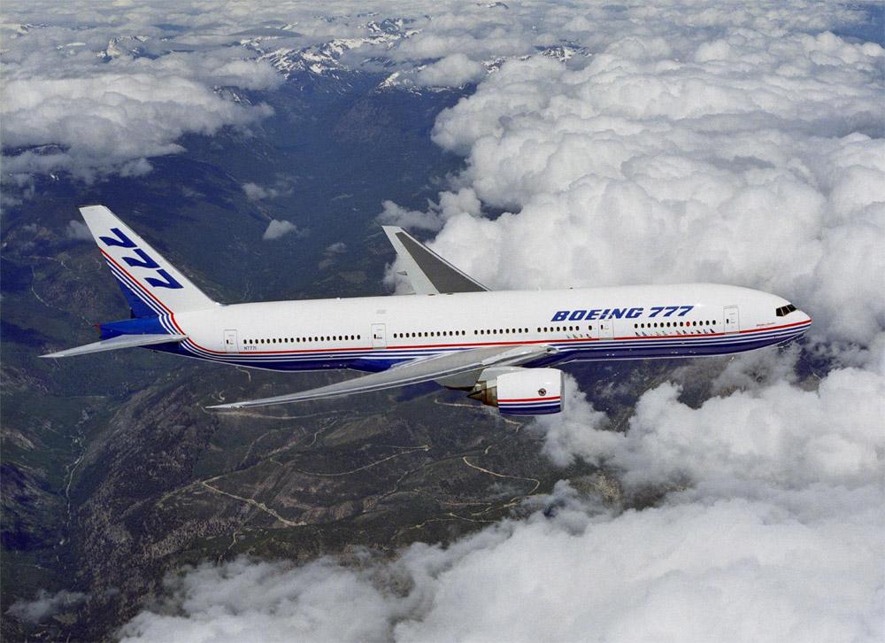 Первый прототип Boeing 777 в небе