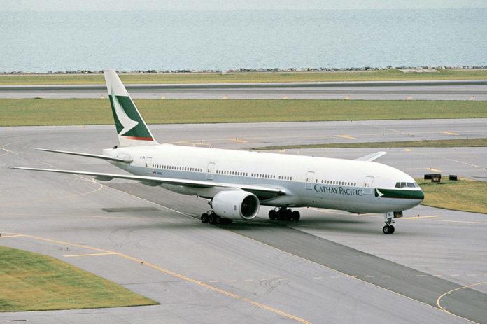 Первый Boeing 777-200 в ливрее Cathay Pacific с регистрацией B-HNL