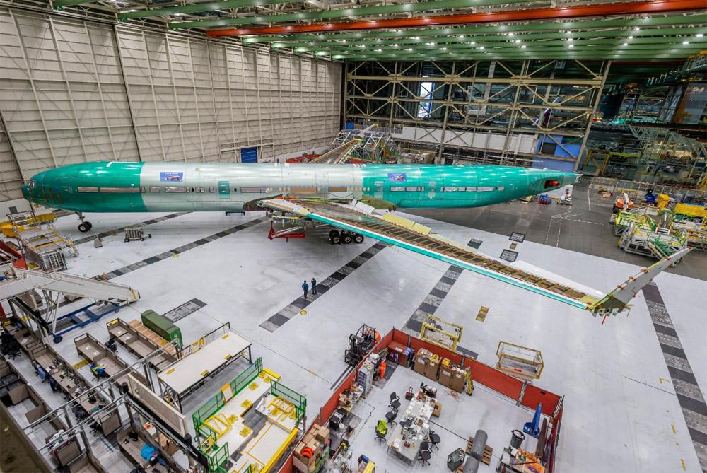 Первый Boeing 777X, собранный для проведения статических испытаний