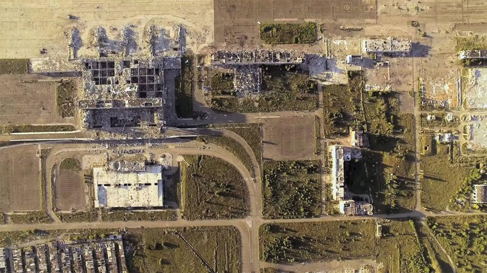 Руины аэропорта Донецк. новый, старый терминалы и многоуровневый паркинг