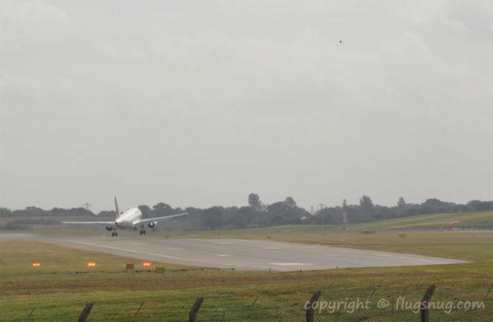 Попытка захода на посадку самолета Airbus A319 авиакомпании Air France в аэропорту Бирмингема
