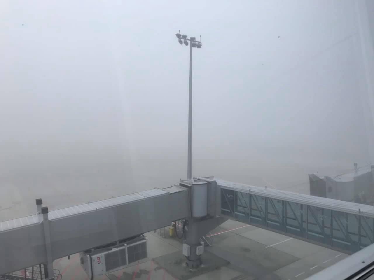 Туман в аэропорту Львов