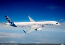 Airbus A321LR увеличенной дальности выполняет полет
