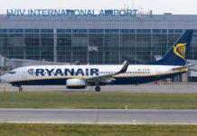 Boeing 737-800 Ryanair во Львове
