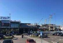 Место примыкания новой части здания к существующему терминалу в аэропорту Жуляны