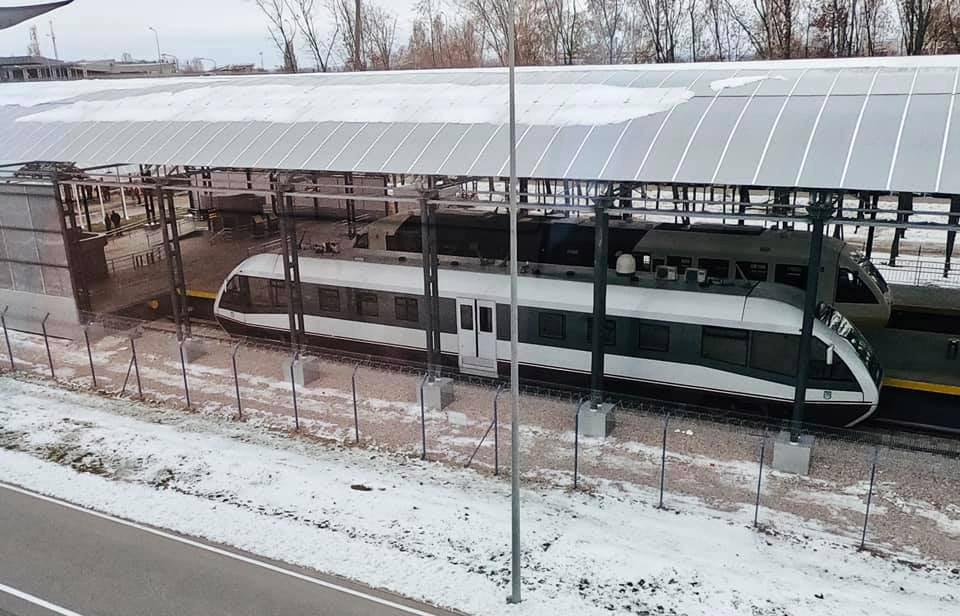 Железнодорожная станция в аэропорту Борисполь с поездами PESA
