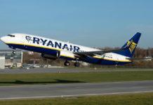 Взлет самолета Ryanair