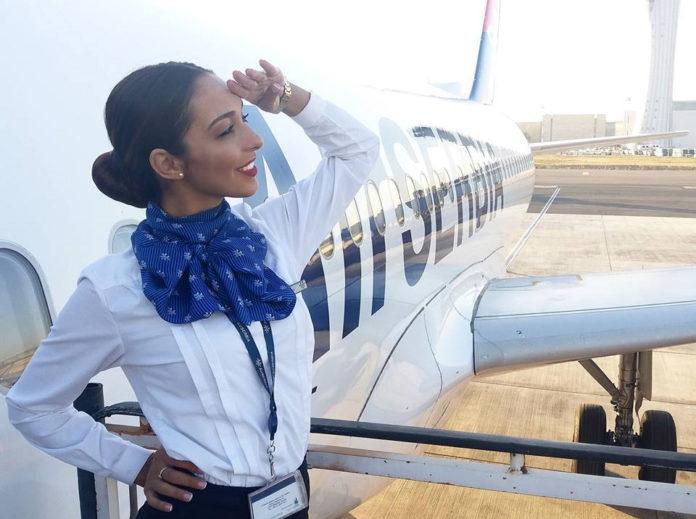 Бортпроводник авиакомпании Air Serbia