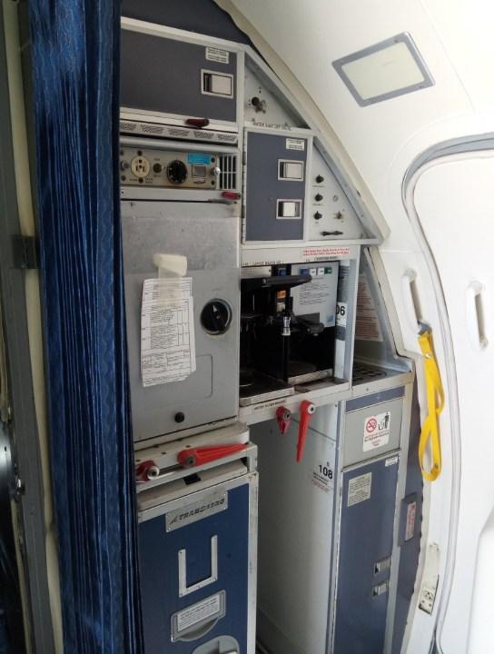 """Кухня Boeing 737-500 """"Трансаэро"""" VP-BYO"""