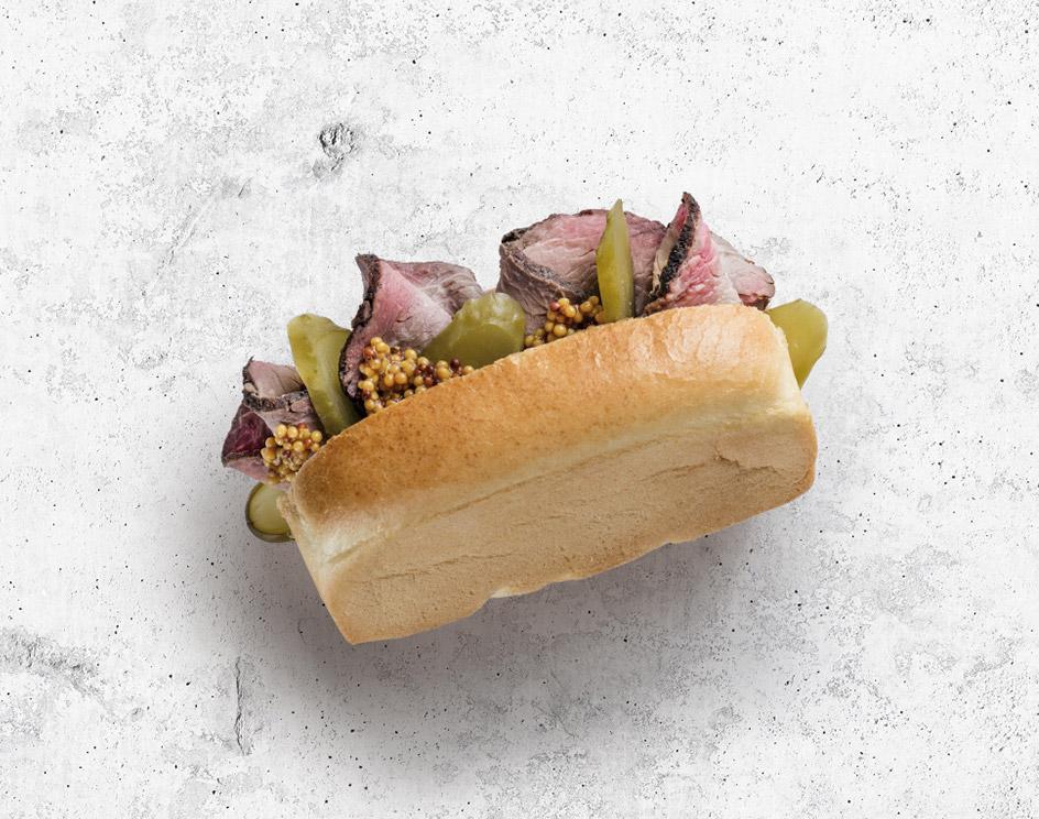 Сэндвич с ростбифом, корнишоном и горчицей из нового бортового меню МАУ