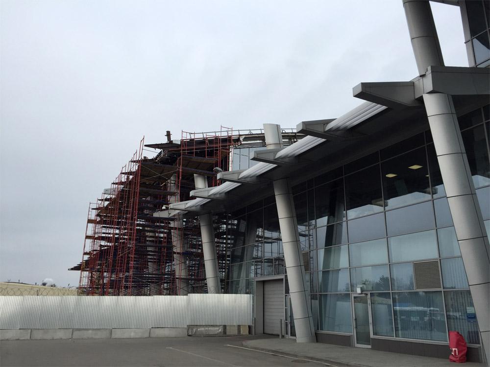 Новая часть терминала А в аэропорту Жуляны, 24 февраля 2019 года, вид со стороны перрона