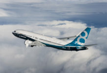 Boeing 737 MAX 8 в полете