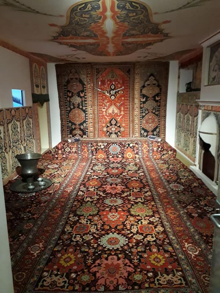 Коллекция ковров в музее ковров в Баку