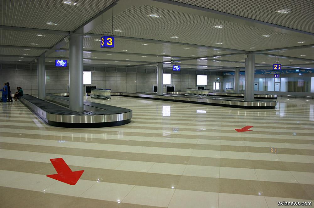 Багажные ленты в зале прилета терминала F в аэропорту Борисполь